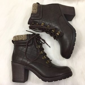 Mia 'Teddy' brown quilted lace-up boots Sz 6.5